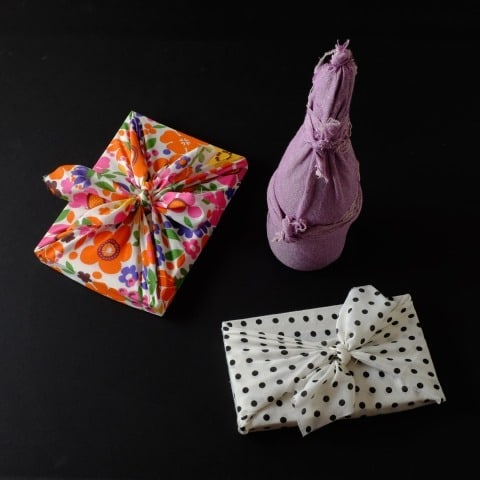 how to make reusable fabric gift wrap
